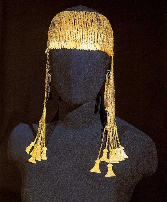 Большая золотая диадема V-III век до н.э. Клад Приама или золото Трои. Золото, стекло, сердолик, фаянс